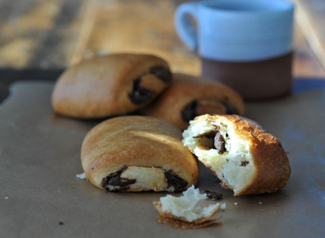 pain au chocolat, breakfast